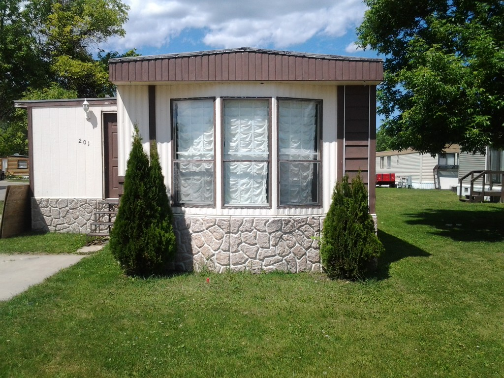 East Grand Forks Mobile Home For Sale