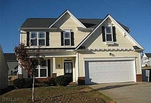 Lovely Home Offers Nice Floorplan Clayton North Carolina