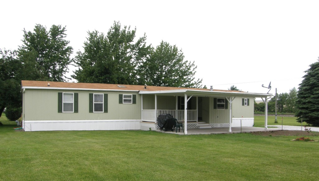 Mobile Home Year Round Vacation Rental Near Erie Fishermen