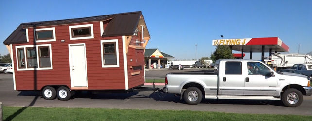 Towing Mini Mobile Home